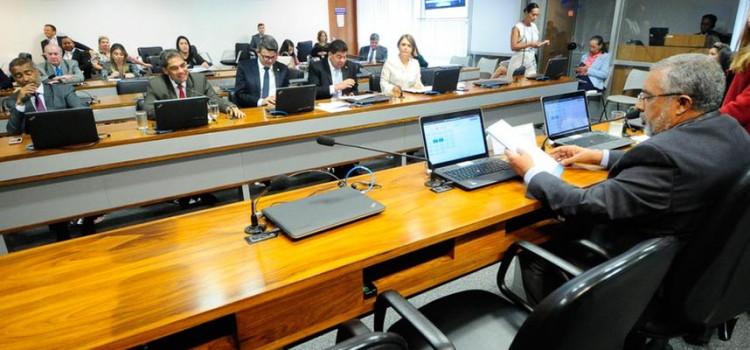 Senado debate previdência e fim do auxílio-moradia