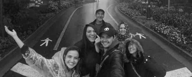 O perigo da selfie em pista de rolamento