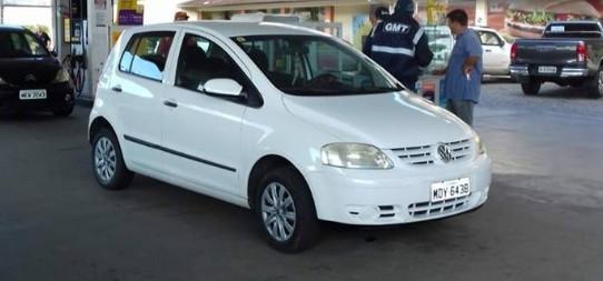 Agentes do Seterb abastecem carro particular imoralmente