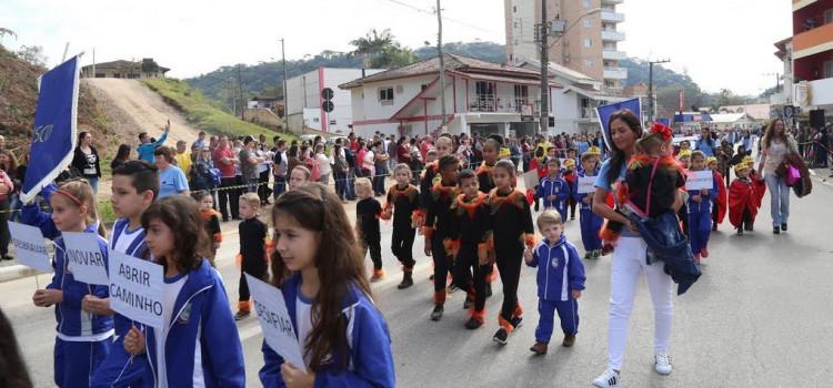 Espírito cívico e empreendedor no desfile de 7 de setembro