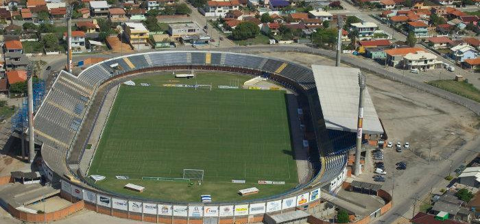 Blumenau ainda espera ter um estádio de futebol?