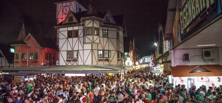 Cerca de 50 mil ingressos já foram vendidos para o feriadão de Oktoberfest