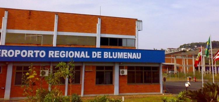 Aeronáutica apresenta novas normas de segurança para o Aeroporto de Blumenau