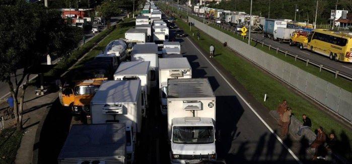 Greve causa falta de combustíveis em diversos postos pelo país