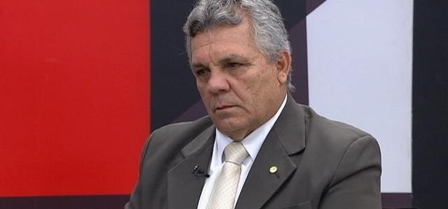 Bolsonaro propõe usar Forças Armadas no combate ao crime organizado
