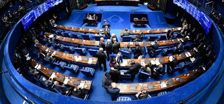 Senado vota suspensão do decreto das armas